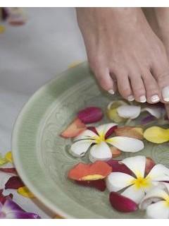 女人用白醋泡脚更养