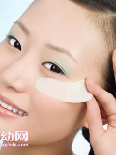眼部护理正确步骤